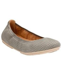 Clarks Un Tract Flat