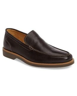 . Holambra Loafer