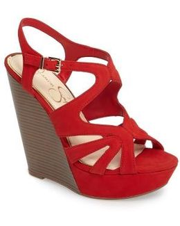 Brissah Wedge