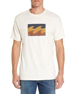 Team Wave Graphic T-shirt