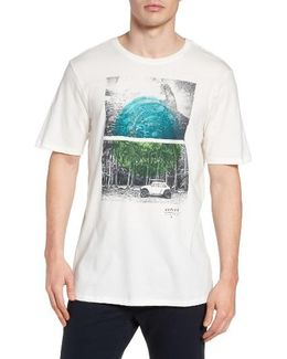 Fin Toss Graphic T-shirt