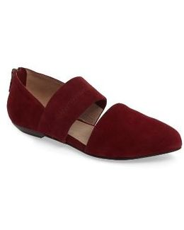 Hall Pointy Toe Flat