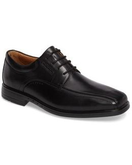 Clarks Un. Kenneth Bike Toe Oxford