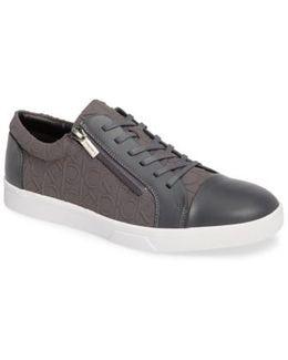 Ibrahim Sneaker