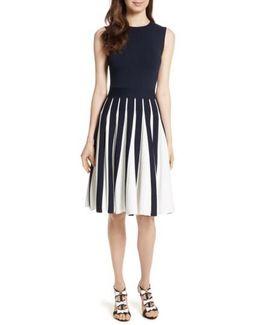 Roberti Two-tone Pleated Knit Dress