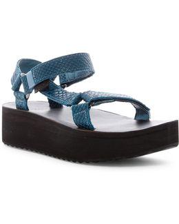 Universal Flatform Sandal