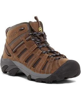 Voyager Mid Hiking Boot