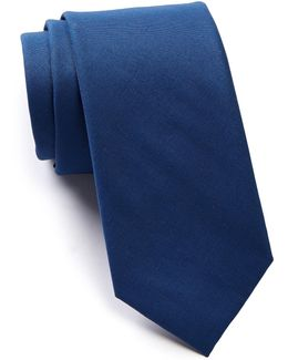 Navarra Solid Tie