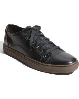Justin Sneaker