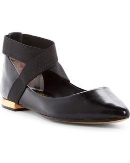 Cencae Leather Criss-cross Pointed Toe Flat