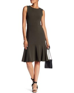 Sleeveless V-back Solid Dress