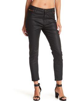 Trim Detail Crop Jean
