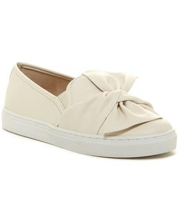 Alegra Slip-on Sneaker