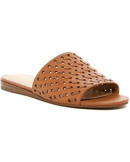 Giver Slide Sandal