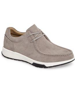 Kingsley Chukka Sneaker