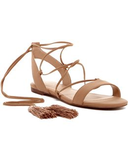 Ibadoniel Sandal