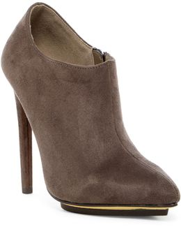 Ladi Pointed Toe Bootie