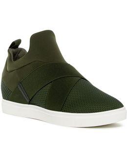 Laynie Sneaker