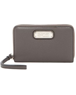 New Q Wingman Small Leather Wristlet
