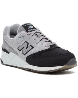 999 Classic Sneaker