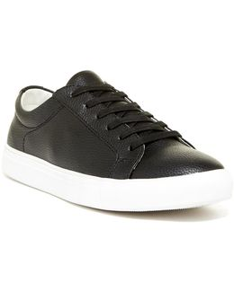 Crill Low Top Sneaker