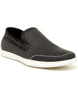 Moste Slip-on Sneaker