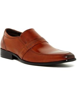 Mill-enial Apron Toe Loafer