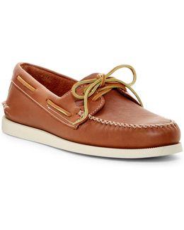 2-eye Wedge Boat Shoe