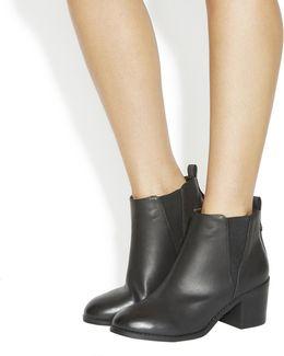 Lexi Chelsea Boots