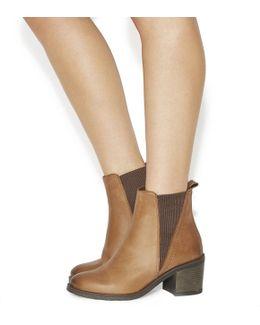 Lassoo Mid Heel Chelsea Boots