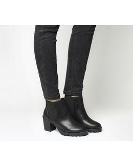 Active Mid Heel Chelsea Boots