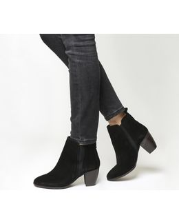 Amber Western Chelsea Boots