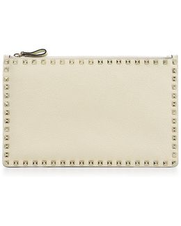 Rockstud Grained Leather Pouch Light Ivory
