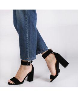 Marlo Buckle High Heels In Black Faux Suede