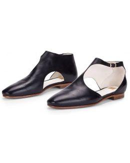 Black Triumph Lamb Leather Y-strap Flats