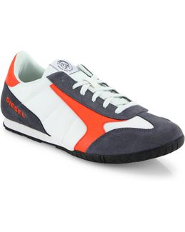 Claw Action Actwings Sneakers