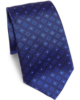Diamond Grid Patterned Silk Tie