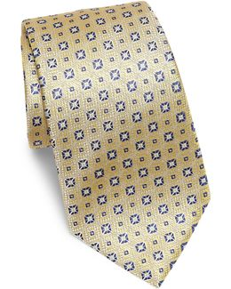 Medallion Textured Silk Tie