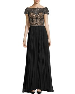 Off-the-shoulder Ills Top Gown