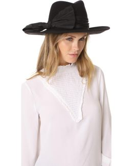 Dita Hat