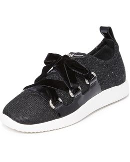 Singles Sneakers
