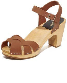 Kringlan Sandals