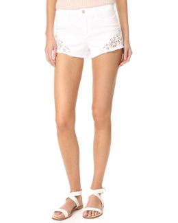 Cutoff Shorts With Embroidery