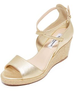 Nellie Wedges