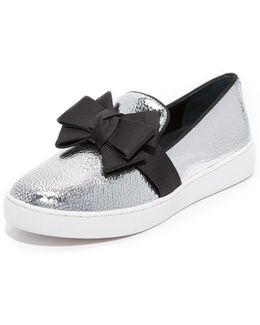 Val Bow Sneakers