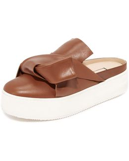 Flat Slides With Bow In Leather