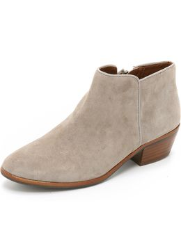 'petty' Chelsea Boot