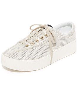 Nylite Bold Iii Perforated Platform Sneakers