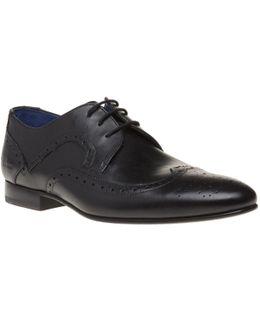 Oakke Shoes