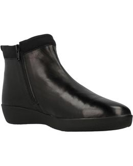 Paseo Iv Women's Low Ankle Boots In Black